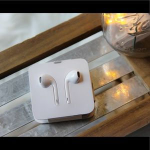 WIRED apple headphone lightning usb connector